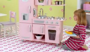 Выбор игрушечной кухни для девочки